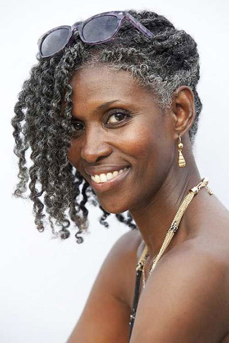 Kurze lockige Frisuren Black Women - 15-