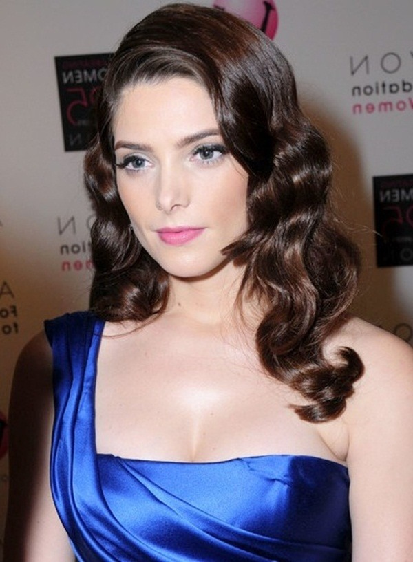 lange und kurze Promi Frisuren72-Ashley Greene Frisur
