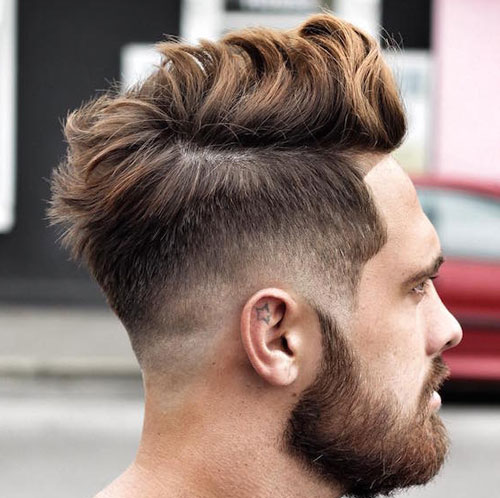 Long Messy Hair mit Low Fade