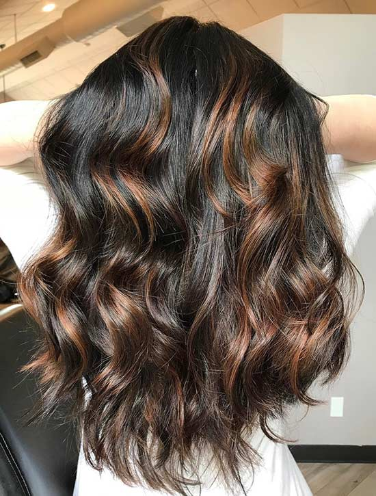 1. Caramel Highlights auf Jet Black Hair