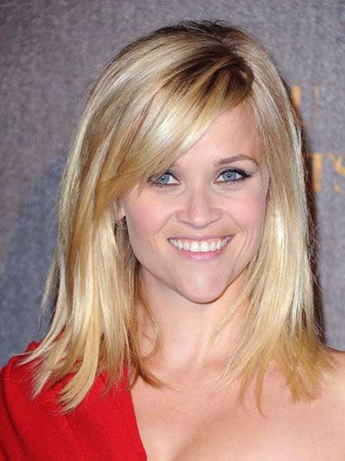 Medium Blonde Bobs mit Side Bangs