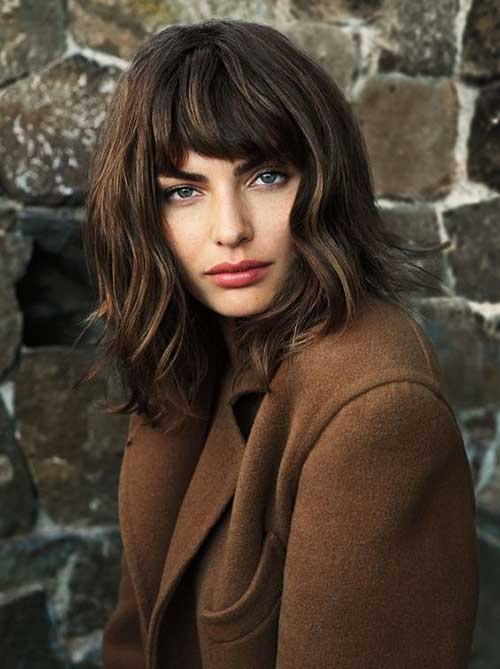 Medium Bob mit Fringe Pony