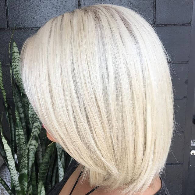 Edgy Bob mit Bright Platinum