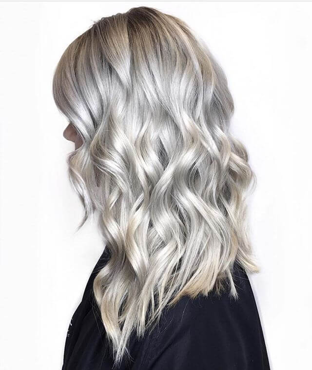 35] Dunkle Asche Blonde mit Highlights
