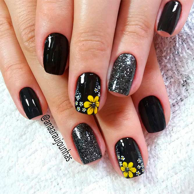 Charmante Plymeria Flower Nails