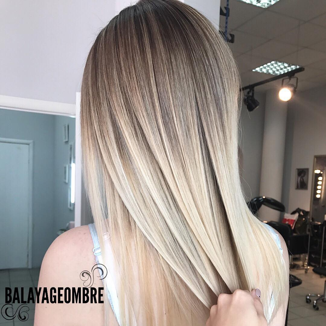 Schlanke lange Frisuren mit glattem Haar - Straight Long Hair Cuts