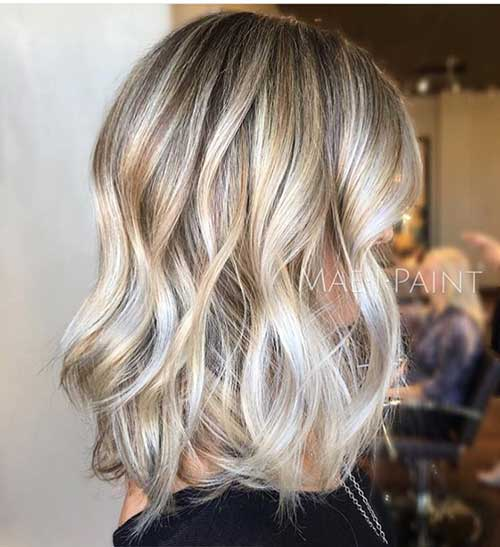 Silber Highlights in Blondes Haar