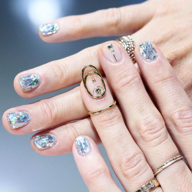 Beautiful Broken Glass Fashion Nagelkunst #nailstrend #nailjewerly #brokenglassnails