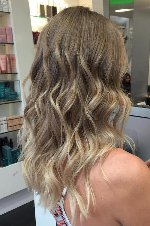Schmutzige blonde Highlights