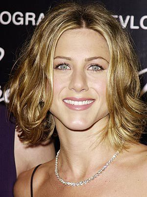 Jennifer Aniston gewellter Bob