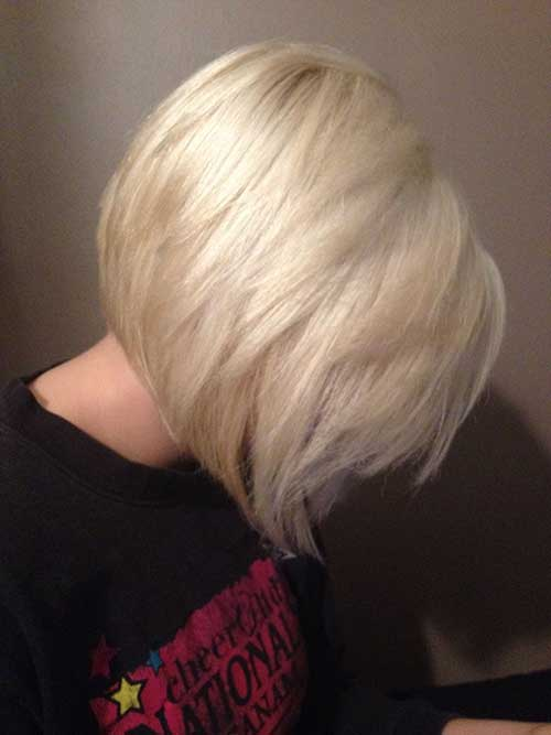 Platinblond Layered Stacked Bob Schnitt