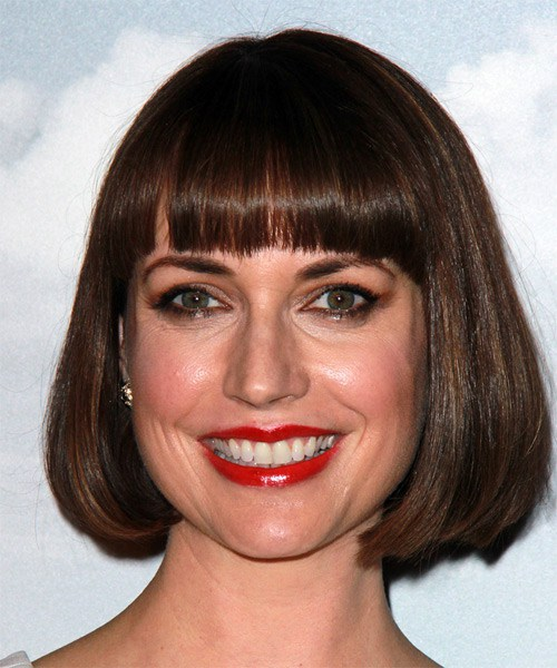 julie-ann-emery-medium-straight-bob-frisur