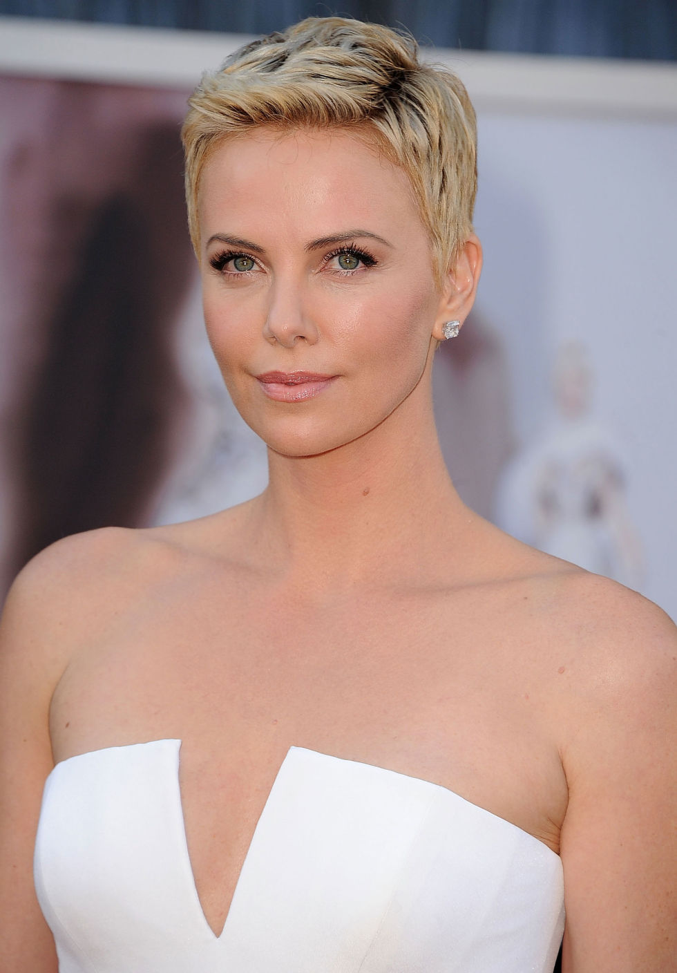 charlize-theron-short-pixie-cuts