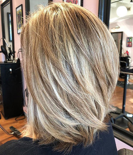Blondes geschichtetes Balayage-Medium