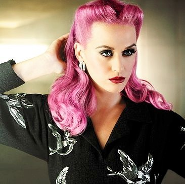 Katy Perry Retro-Frisur